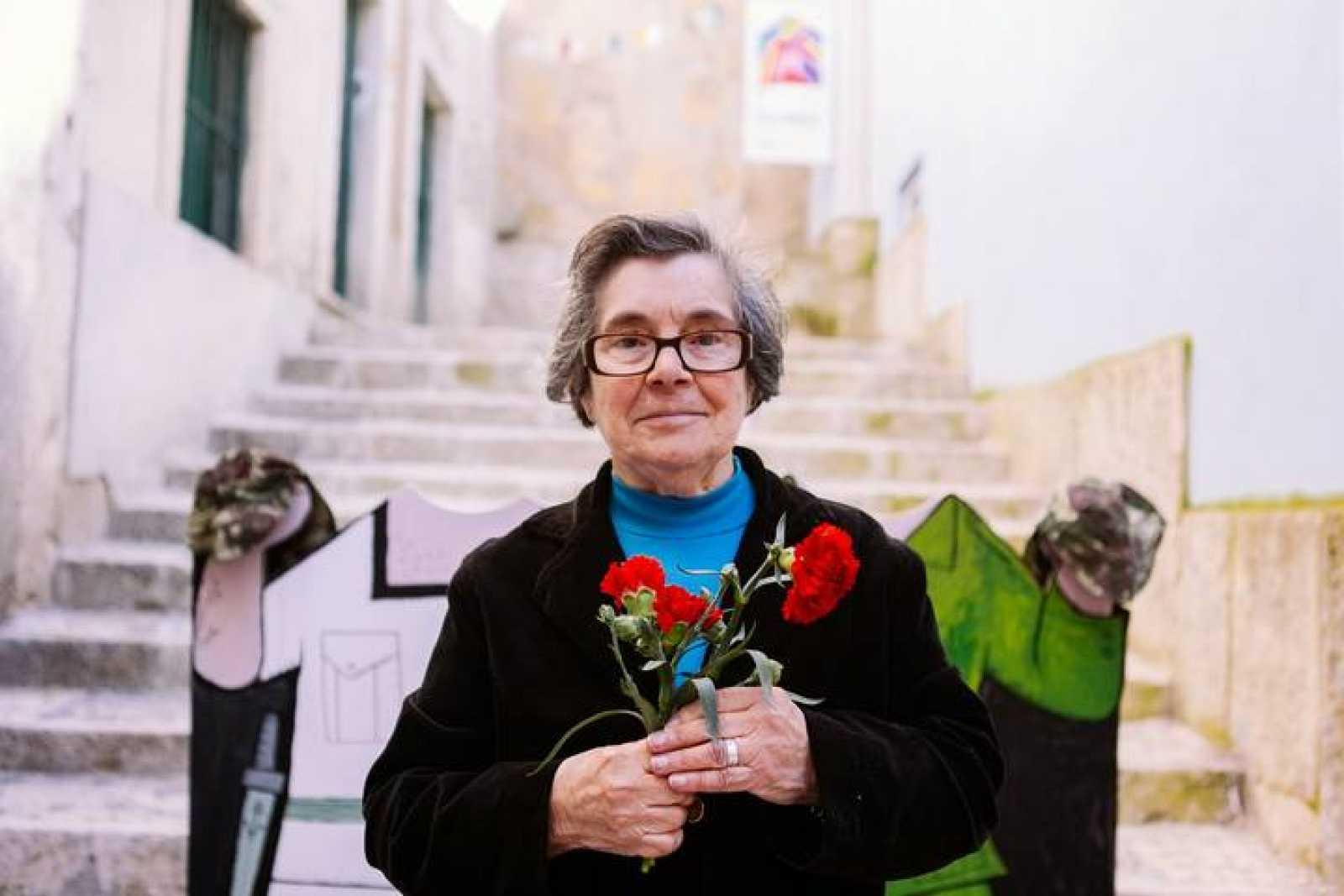 Celeste, la mujer de los claveles de una revolución
