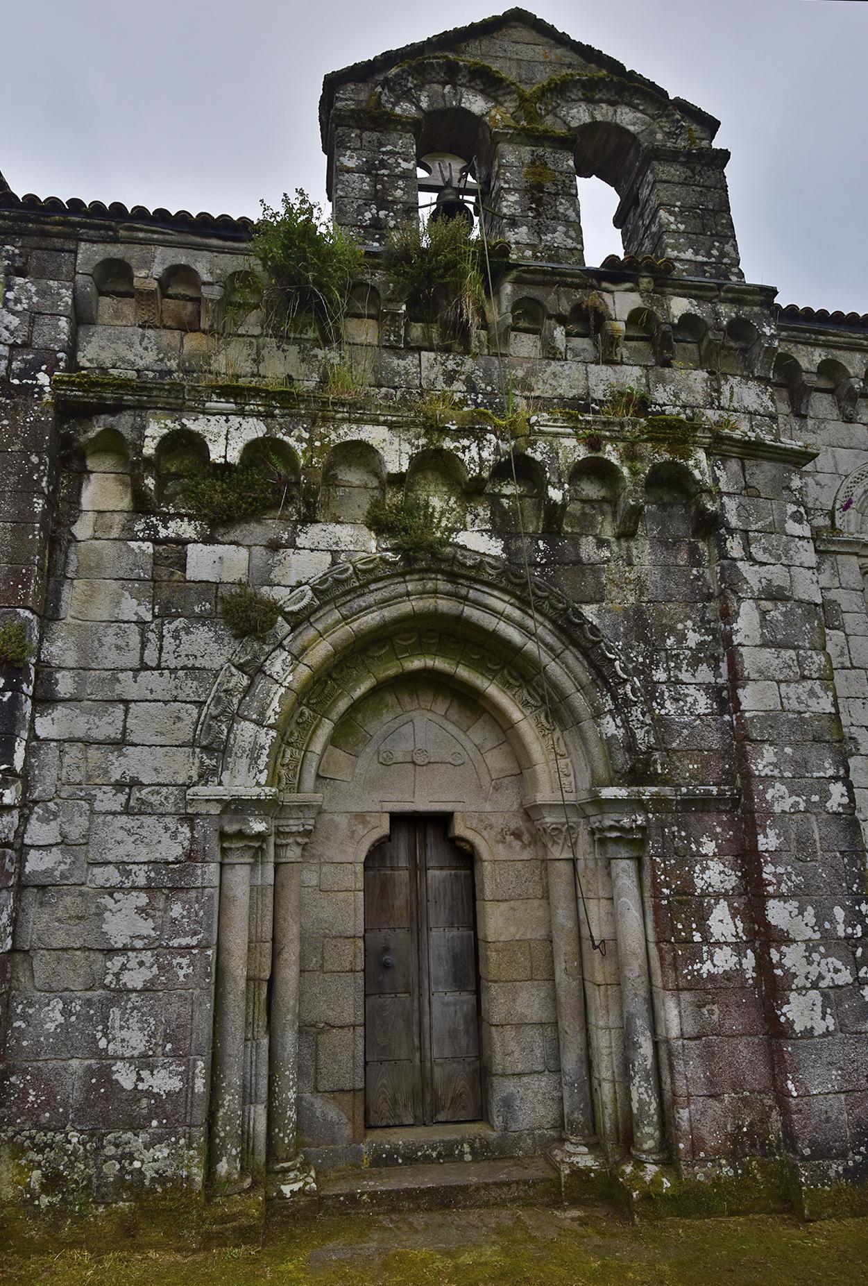 Iglesia monasterio San Pedro de Dozón
